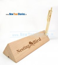 1200 A NYD TRIANGULAR WOODEN PEN STAND
